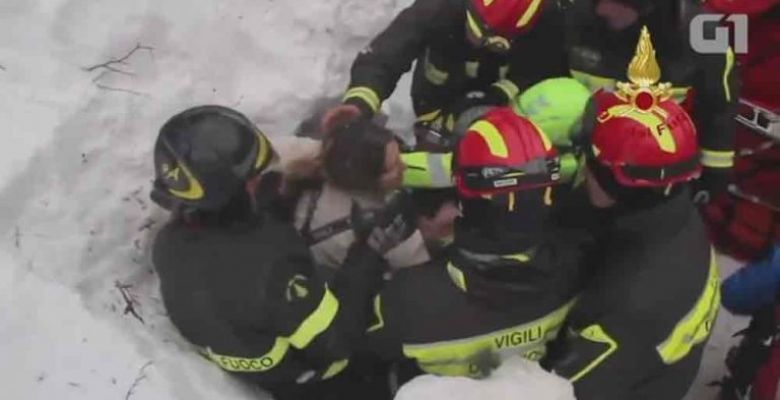 Rescue workers find survivors at hotel hit by avalanche in Italy