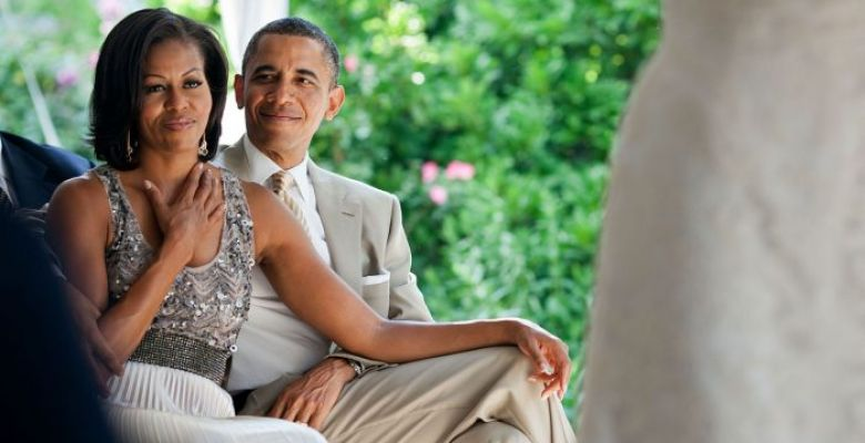 After vacation, Obama and Michelle start office activities in Washington
