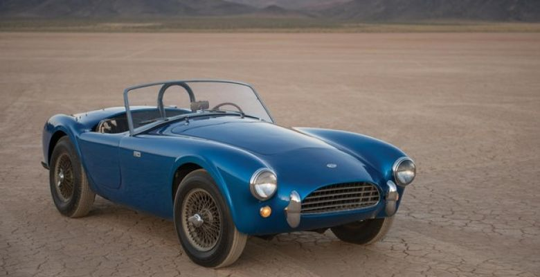 First Shelby Cobra sold for $ 44 million at auction