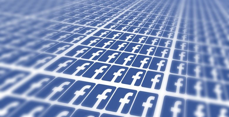 Facebook tests 'context' button in bid to crack down on fake news