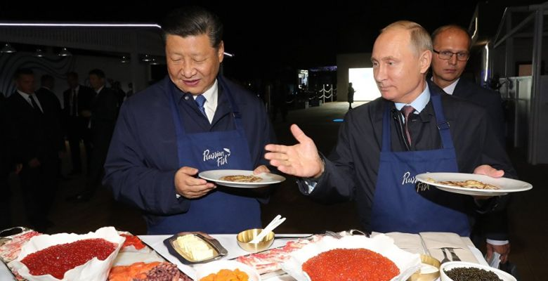 Pancake diplomacy! Russia's Putin and China's Xi bond over cooking