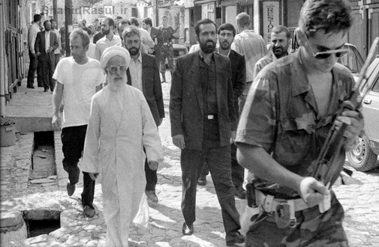 Specijalni povjerenik Irana za pomoć BiH Ahmed Dženeti u Mostaru tokom rata