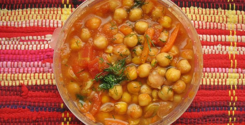 10 Best Benefits Of Chickpeas For Skin, Hair, And General Health