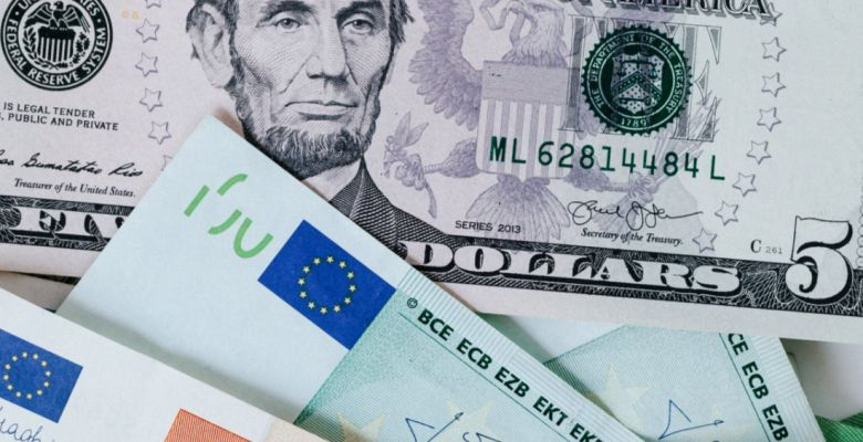 What Determines the Value of the U.S. Dollar?